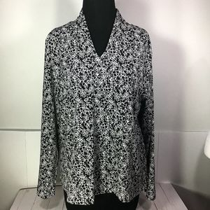 Appleseed's Black & White Floral Pullover Top XLP